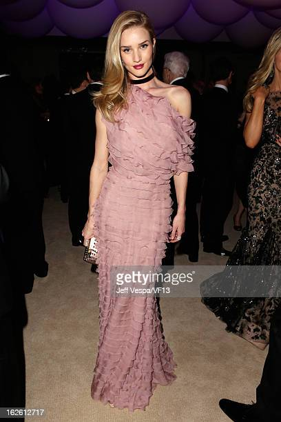Model Rosie Huntington-Whiteley attends the 2013 Vanity Fair Oscar Party hosted by Graydon Carter at Sunset Tower on February 24, 2013 in West...