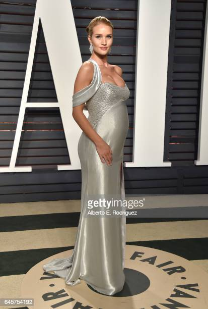 Model Rosie Huntington-Whiteley attends the 2017 Vanity Fair Oscar Party hosted by Graydon Carter at Wallis Annenberg Center for the Performing Arts...