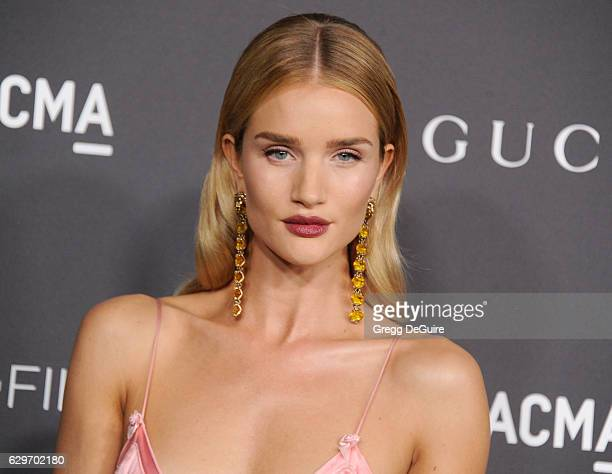 Model Rosie HuntingtonWhiteley wearing Gucci arrives at the 2016 LACMA Art Film Gala Honoring Robert Irwin And Kathryn Bigelow Presented By Gucci at...