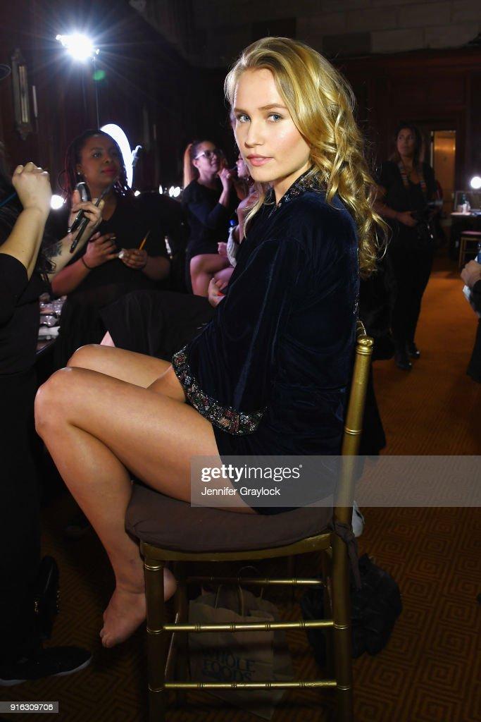 Sherri Hill - Backstage - February 2018 - New York Fashion Week : News Photo