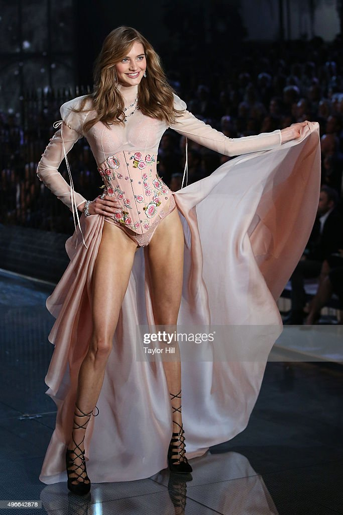 Model Sanne Vloet walks the runway during the 2015 Victoria's Secret Fashion Show at Lexington Avenue Armory on November 10, 2015 in New York City.