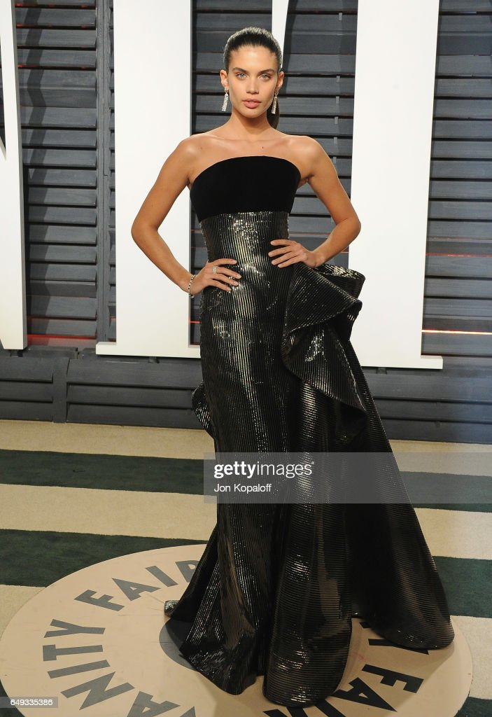 Model Sara Sampaio arrives at the 2017 Vanity Fair Oscar Party Hosted By Graydon Carter at Wallis Annenberg Center for the Performing Arts on February 26, 2017 in Beverly Hills, California.
