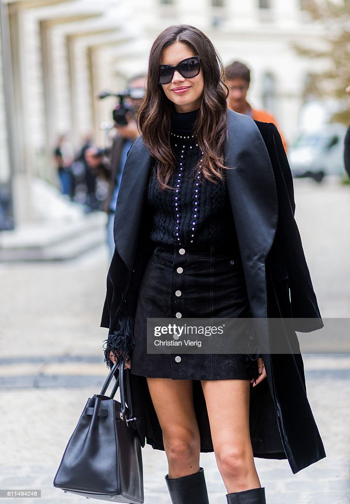 Street Style : Day Three Paris Fashion Week Spring/Summer 2017 : News Photo