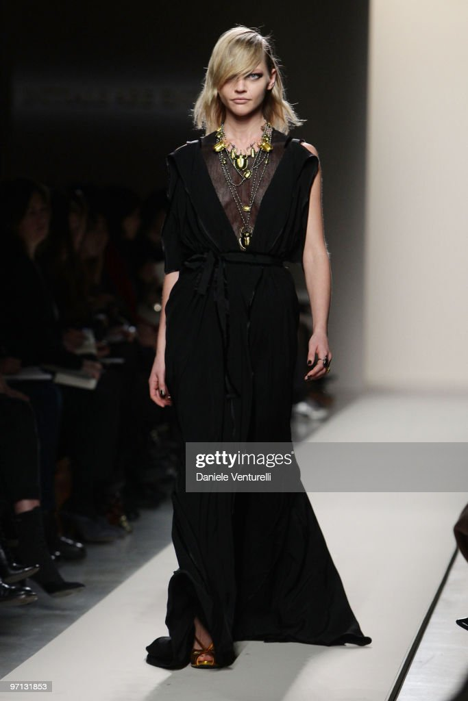 Bottega Veneta: Milan Fashion Week Womenswear A/W 2010