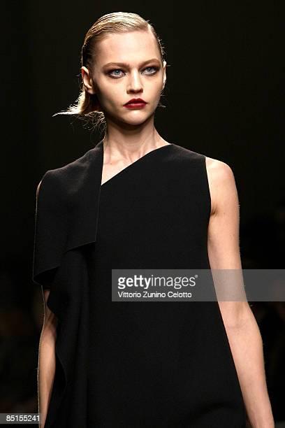 Sasha Fashion Model Photos and Premium High Res Pictures ...