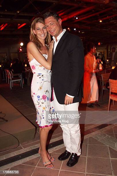 Model Schauspielerin Giulia Siegel Ehemann Hans Wehrmann Bei Kick For Kids Party Auf Mallorca Am 300401