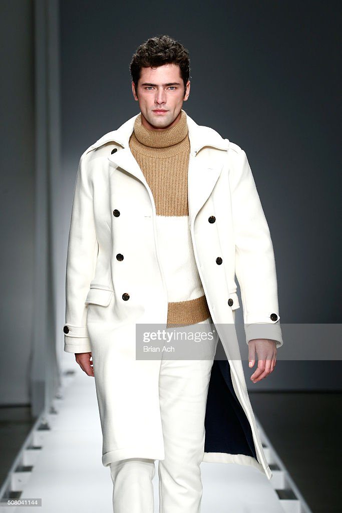 [Image: model-sean-opry-walks-the-runway-at-the-...d508041144]