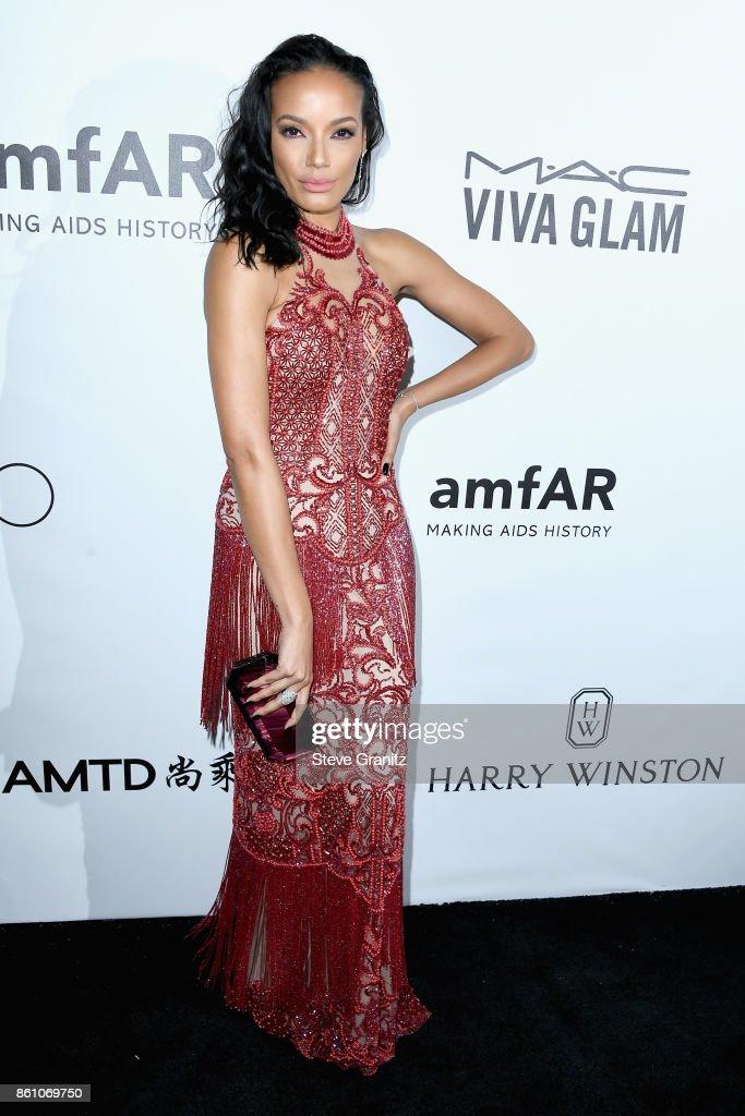 Model Selita Ebanks attends the amfAR Gala 2017 at Ron Burkle's Green Acres Estate on October 13, 2017 in Beverly Hills, California.