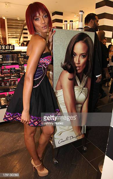 Model Selita Ebanks attends the Carol's Daughter Spokesbeauty Monoi Repairing Collection launch at Sephora on May 24 2011 in New York City