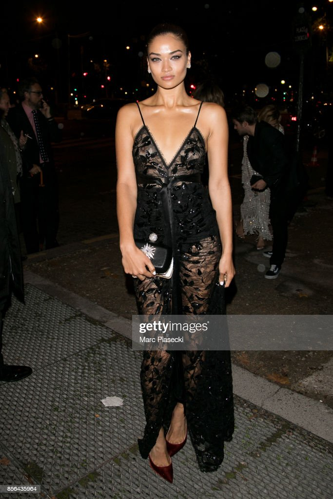 Vogue Party : Outside Arrivals - Paris Fashion Week Womenswear S/S 2018