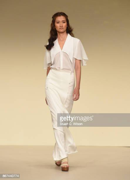 A model showcases a design by Sadeem during Fashion Forward October 2017 held at the Dubai Design District on October 28 2017 in Dubai United Arab...