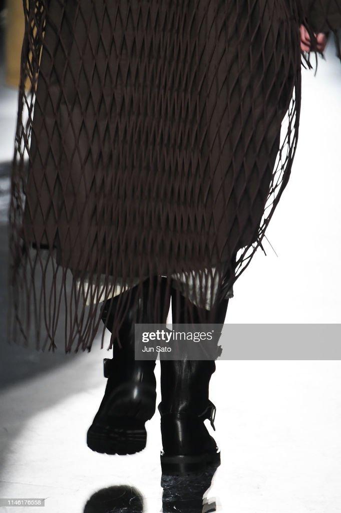 JPN: Y's Alcantara 2019-20 A/W Capsule Collection – Runway