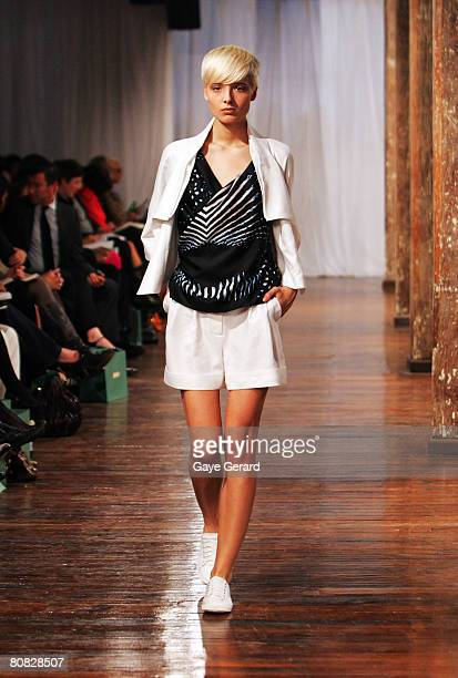 A model showcases a design on the catwalk by Carla Zampatti and her daughter Bianca Spender during their Spring/Summer 2008 Collection Show on April...