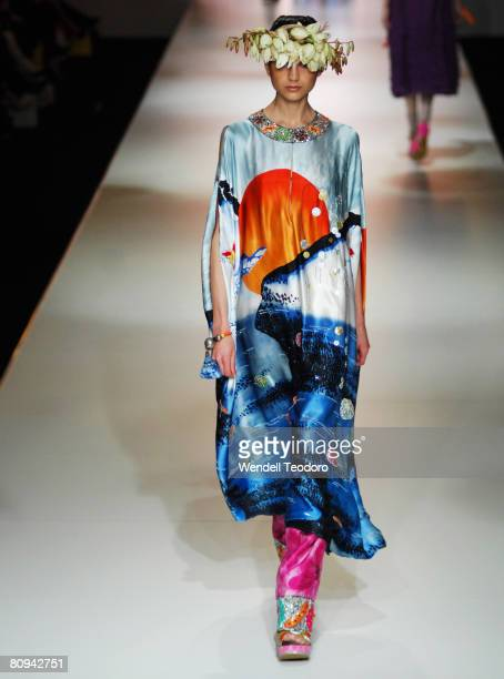 Model showcases an outift by designer Easton Pearson on the catwalk on the third day of the Rosemount Australian Fashion Week Spring/Summer 2008/09...