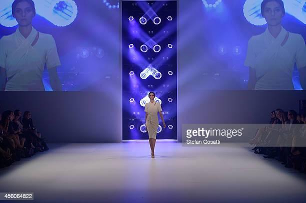 A model showcases designs by Bec Bridge during Fashion Bloggers on Style Spring Edits show at MercedesBenz Fashion Festival Sydney at Sydney Town...