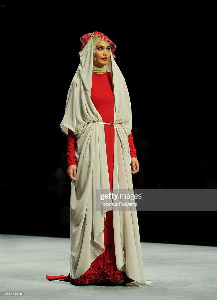 Indonesia Fashion Week - Day 3 : News Photo
