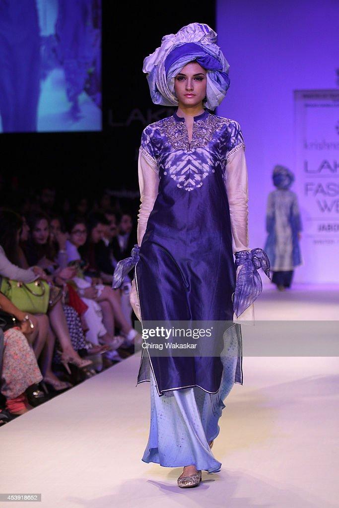Lakme Fashion Week Winter/Festive 2014 - Day 2 : News Photo