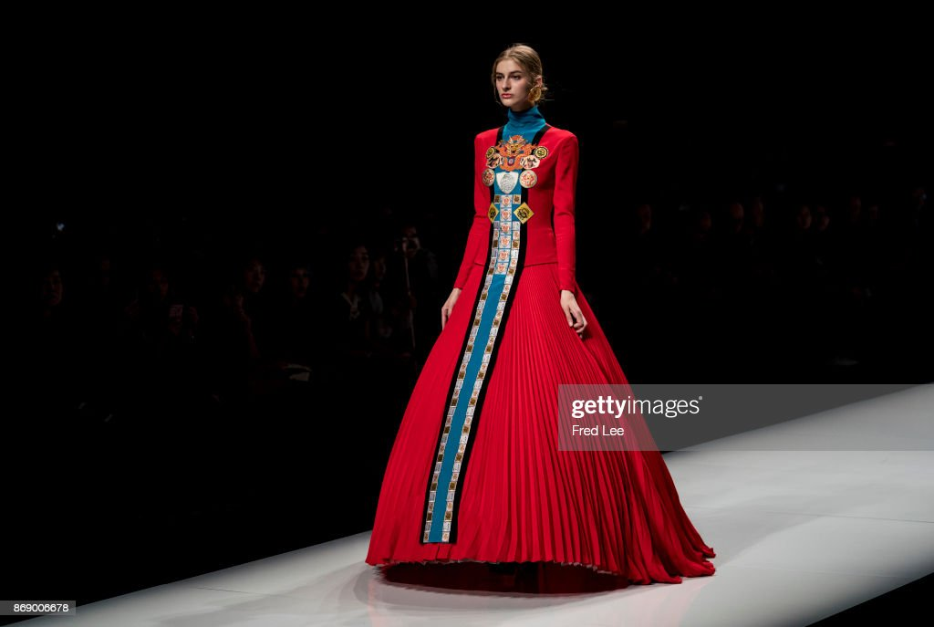 Mercedes-Benz China Fashion Week S/S 2018 Collection - Day 4 : News Photo