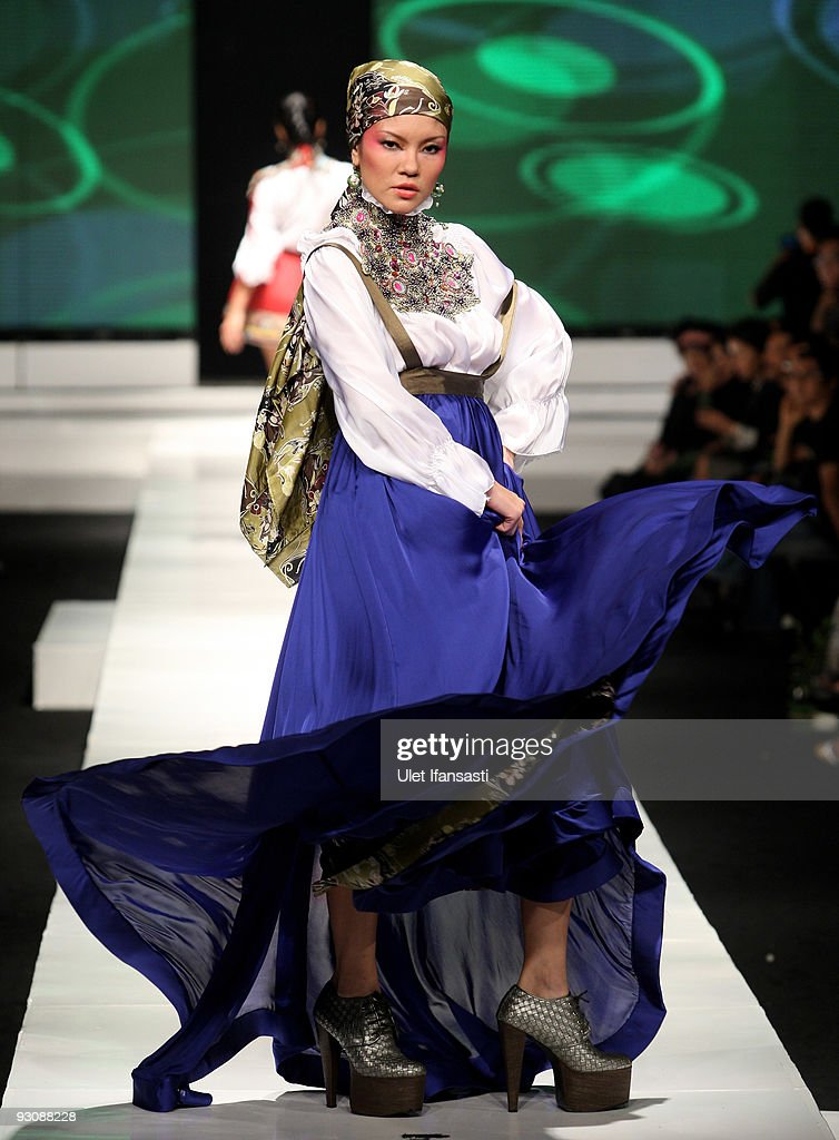 A model showcases designs on the runway by Malik Moestaram as part of APPMI Show 6 on day three of Jakarta Fashion Week 2009 at the Fashion Tent, Pacific Place on November 16, 2009 in Jakarta, Indonesia.