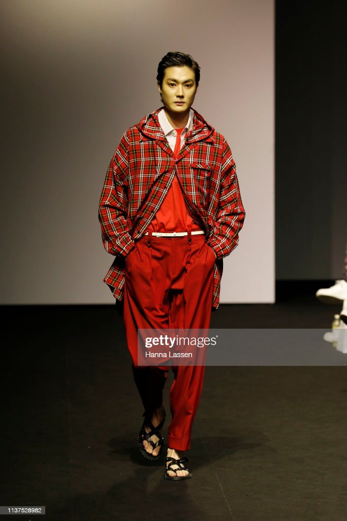 Songzio - Runway - Seoul Fashion Week A/W 2019 : News Photo
