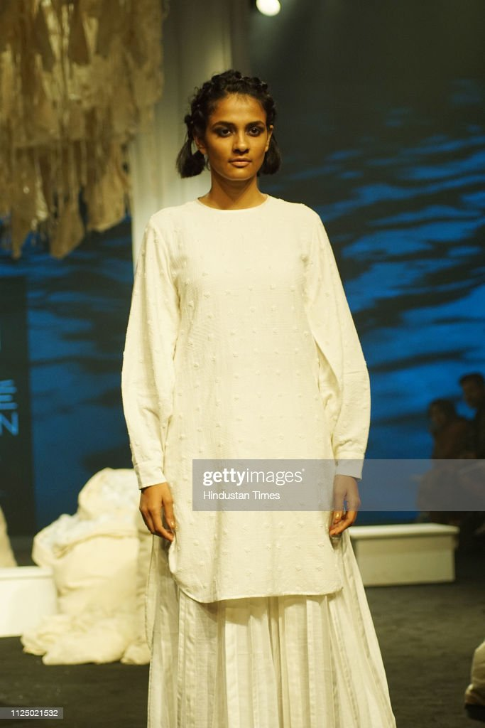 A Model Showcases The Outfit Of Bunon By Designer Soumitra Mondal News Photo Getty Images