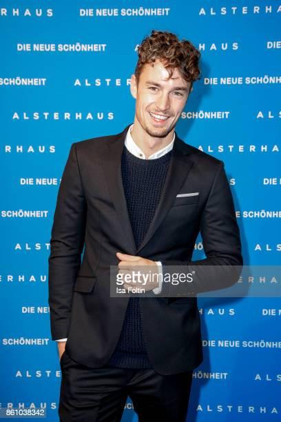 Model Simon Lohmeyer during the Alsterhaus Beauty Opening 'Die Neue Schönheit' on October 13 2017 in Hamburg Germany