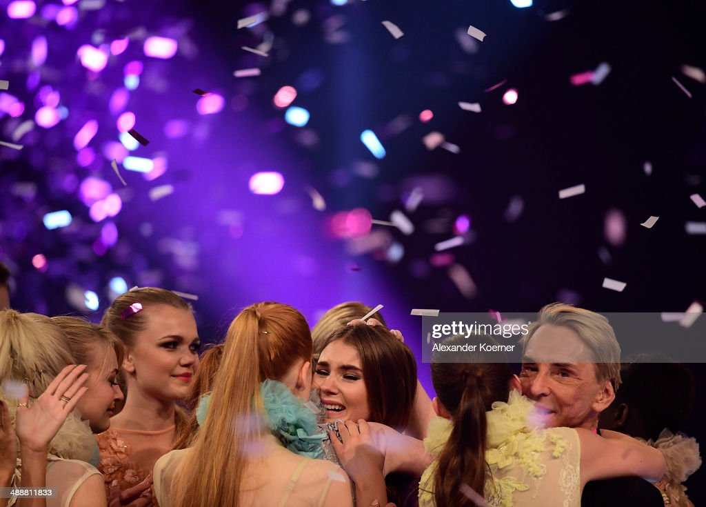 Model Stefanie Giesinger (m) celebrates together with other models after being chosen as Germanys Next Topmodel 2014 during the final of Germany's Next Top Model TV show at Lanxess Arena on May 8, 2014 in Cologne, Germany. Stefanie Giesinger was voted as winner of the 2014 Germany's Next Top Model TV show.