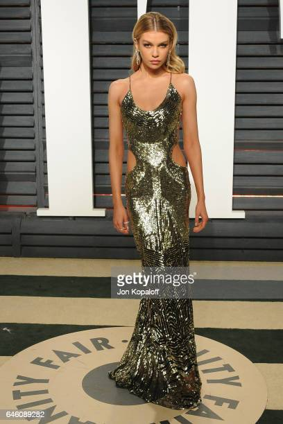 Model Stella Maxwell arrives at the 2017 Vanity Fair Oscar Party Hosted By Graydon Carter at Wallis Annenberg Center for the Performing Arts on...