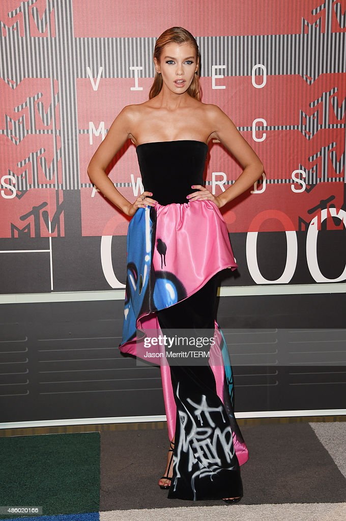 Model Stella Maxwell attends the 2015 MTV Video Music Awards at Microsoft Theater on August 30, 2015 in Los Angeles, California.