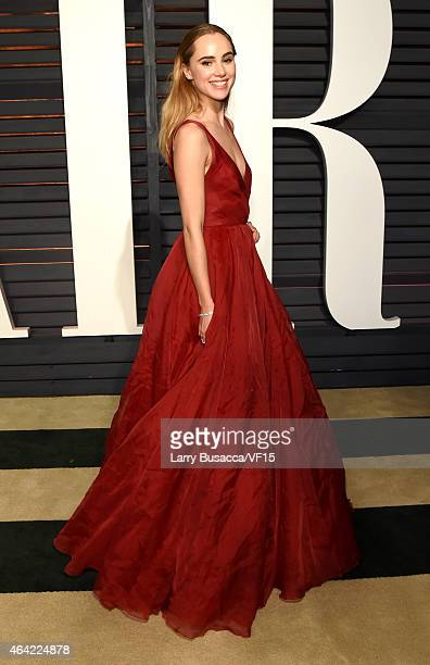 Model Suki Waterhouse attends the 2015 Vanity Fair Oscar Party hosted by Graydon Carter at the Wallis Annenberg Center for the Performing Arts on...