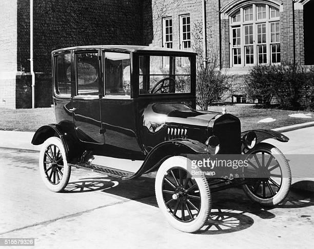 Model T Ford sedan 1921 Photograph