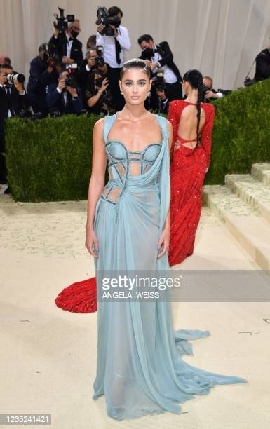 Model Taylor Hill arrives for the 2021 Met Gala at the Metropolitan Museum of Art on September 13, 2021 in New York. - This year's Met Gala has a...