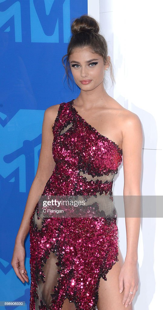 Model Taylor Hill attends the 2016 MTV Video Music Awards at Madison Square Garden on August 28, 2016 in New York City.