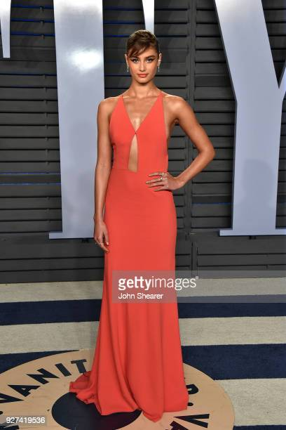 Model Taylor Hill attends the 2018 Vanity Fair Oscar Party hosted by Radhika Jones at Wallis Annenberg Center for the Performing Arts on March 4 2018...