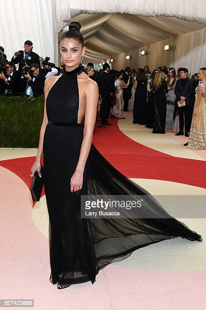 Model Taylor Hill attends the 'Manus x Machina Fashion In An Age Of Technology' Costume Institute Gala at Metropolitan Museum of Art on May 2 2016 in...