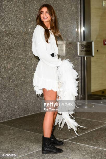 Model Taylor Hill leaves an office building in Midtown Manhattan on August 29 2017 in New York City