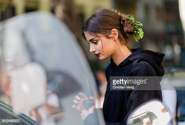493 Taylor Hill Street Style Photos And Premium High Res Pictures Getty Images