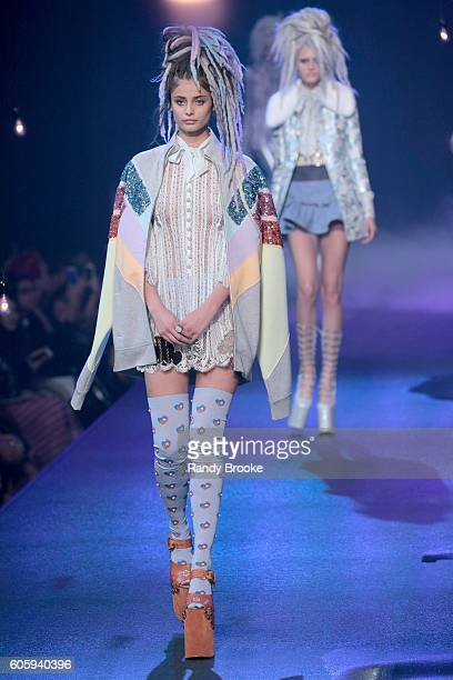 Model Taylor Hill walks the Marc Jacobs runway September 2016 New York Fashion Week show on September 15 2016 in New York City