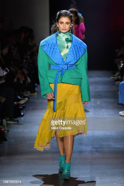 Model Taylor Hill walks the runway for the Prabal Gurung fashion show during New York Fashion Week: The Shows at Gallery I at Spring Studios on...