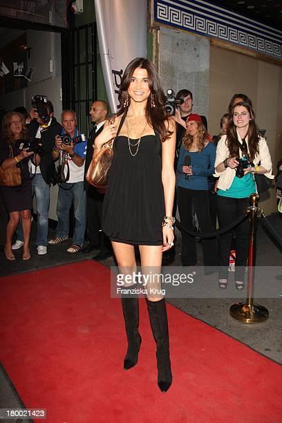 Model Teresa Lourenco Bei Der Sommerparty 'Charity Dance' Der Agentur Mega Models Im Moondoo In Hamburg
