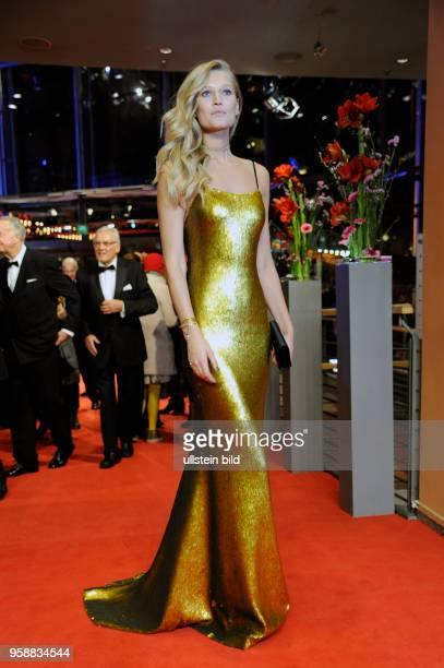 Model Toni Garn anlässlich der Eröffnung der 67 Berlinale mit dem Film DJANGO