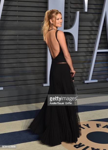 Model Toni Garrn attends the 2018 Vanity Fair Oscar Party hosted by Radhika Jones at Wallis Annenberg Center for the Performing Arts on March 4 2018...