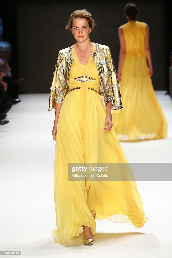 Model Tugce Kazaz walks the runway at the Gizia show during Mercedes-Benz Fashion Week Istanbul s/s 2014 on October 7, 2013 in Istanbul, Turkey.