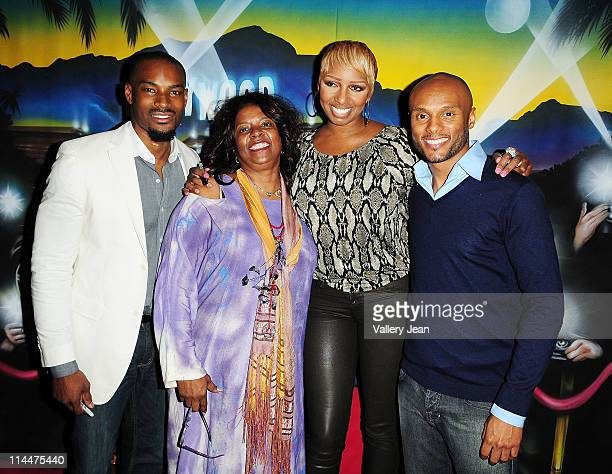 Model Tyson Beckford Betty Wright Reality TV personality NeNe Leakes and singer/actor Kenny Lattimore attend meet and greet with fans during Theo...