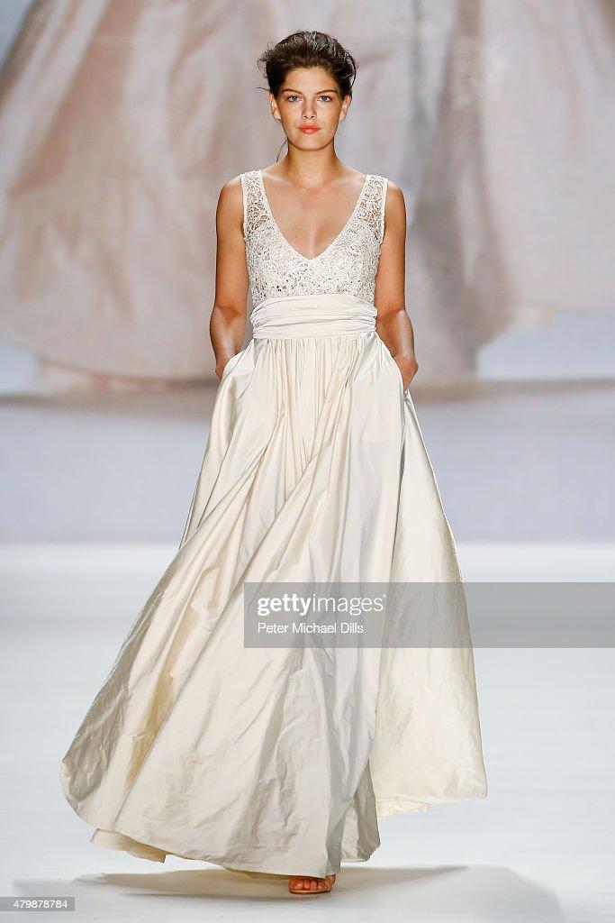 Minx by Eva Lutz Show - Mercedes-Benz Fashion Week Berlin Spring/Summer 2016 : Nachrichtenfoto