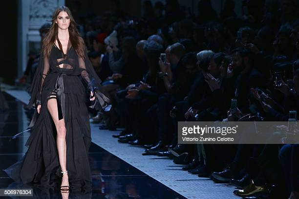 Model Vanessa Moody walks the runway during the Alexandre Vauthier Spring Summer 2016 show as part of Paris Fashion Week on January 26, 2016 in...