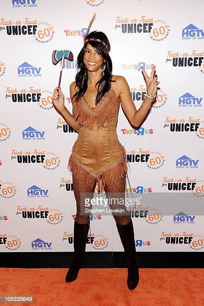 Model Veronica Webb attends TrickorTreat for UNICEF 60th Anniversary Celebration at The Xchange on October 13 2010 in New York City