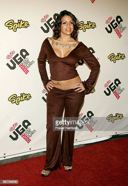 Model Vida Guerra arrives at the Spike TV Video Game Awards 2005 at the Gibson Amphitheater on November 18 2005 in Universal City California