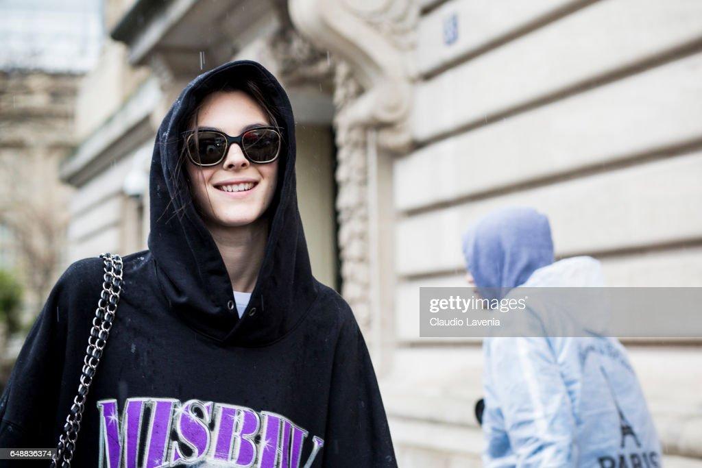 Street Style : Day Seven - Paris Fashion Week Womenswear Fall/Winter 2017/2018