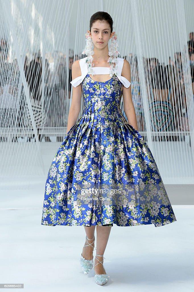 NY: Delpozo - Runway - September 2016 - New York Fashion Week